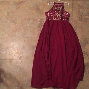 I'm selling a beautiful girls dress‼️
